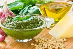 соус песто-базилік-кедрові горішки-оливкова олія